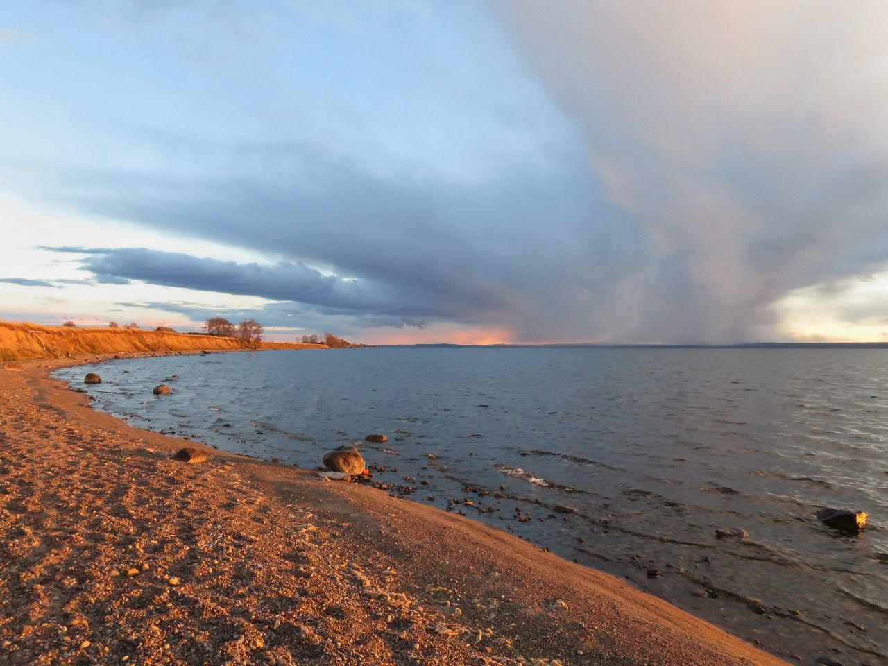 Landscape Lakeshore Beach Horizon Over Water Dramatic Sky Nature Water Tranquility Evening Outdoors