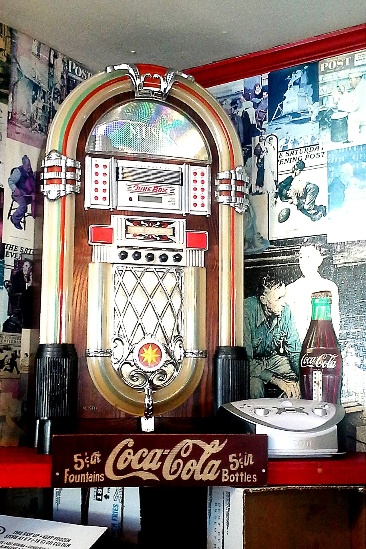 Restaurant Decor Coca-cola Jukebox Antique Antiques Burgerjoint EyeEm Antique Antiquecollection Coca-Cola ❤ Coca-Cola, Label/logo/sign