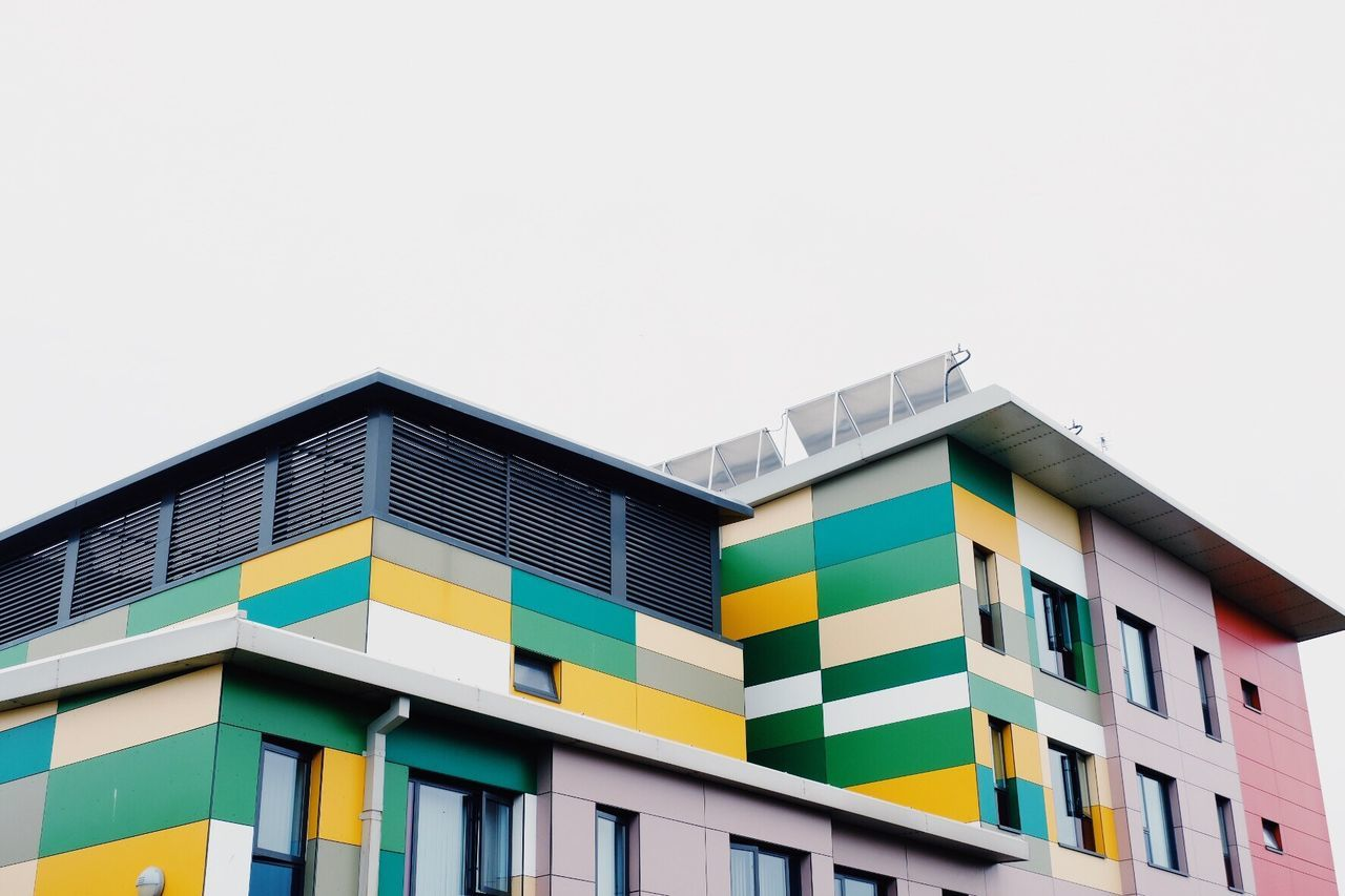 Architecture Building Exterior Multi Colored Copy Space Built Structure Window Modern Residential Building Outdoors Clear Sky BYOPaper! Eye4photography  Taking Photos EyeEm Gallery Eyeemphotography The Street Photographer - 2017 EyeEm Awards The Architect - 2017 EyeEm Awards Neighborhood Map Streetphotography Urban