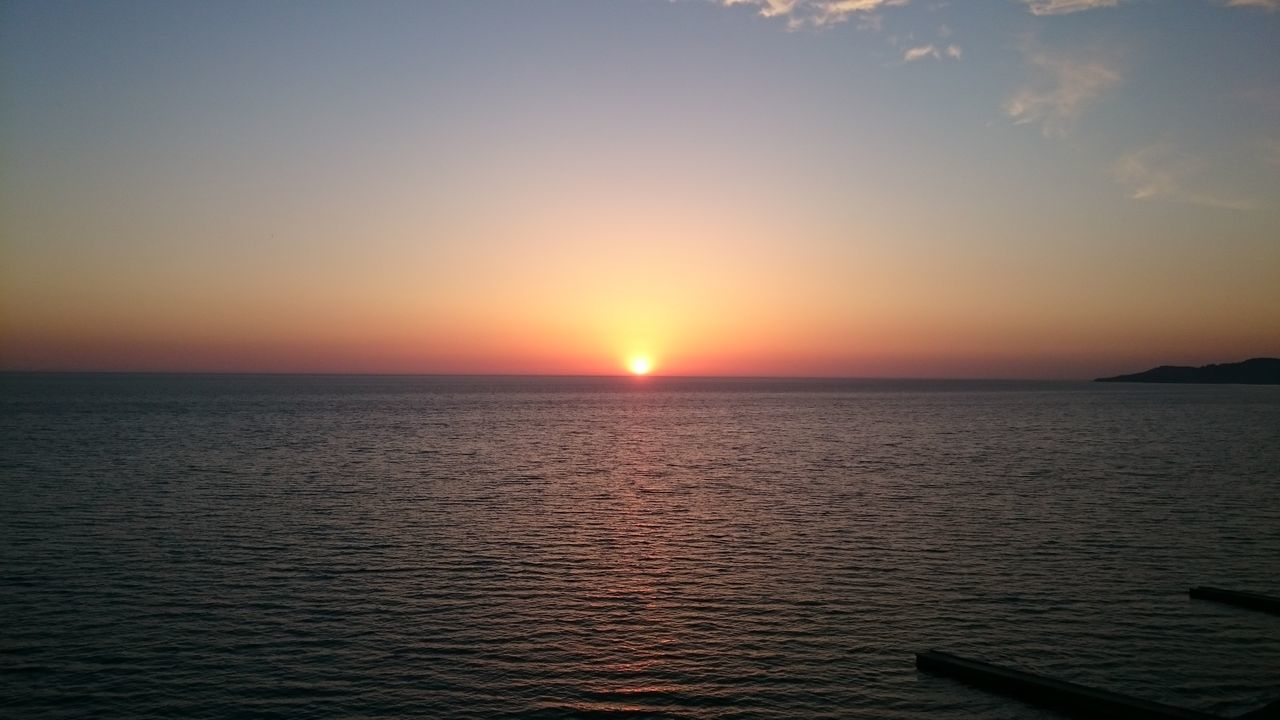 sunset, sea, scenics, beauty in nature, tranquility, nature, sun, tranquil scene, water, idyllic, no people, outdoors, sky, horizon over water