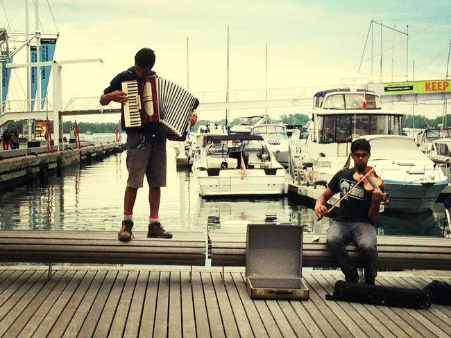 street performers...