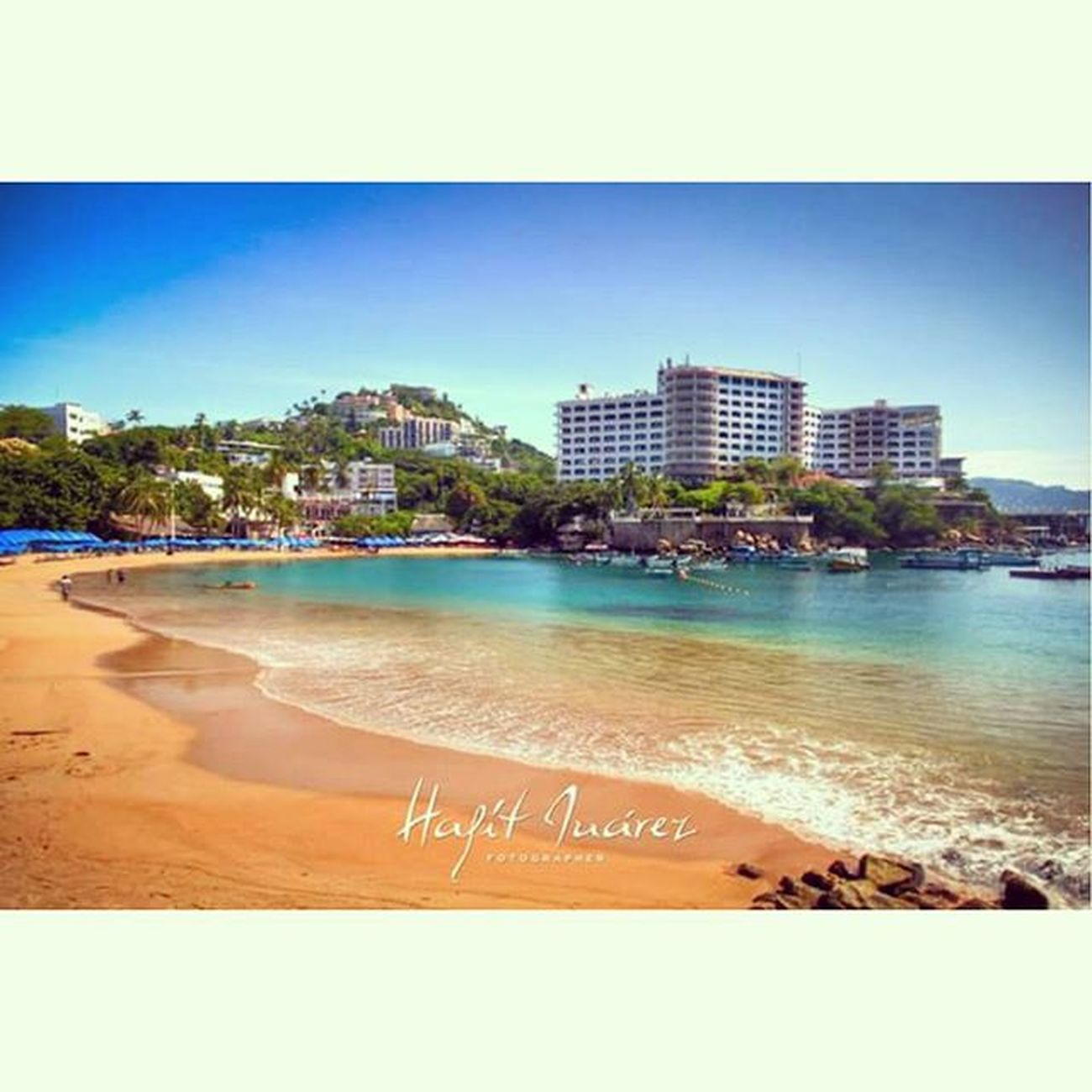 Instasize Acapulco Caleta Mexico beachlife beach hdr_lovers hdr_captures hdr_pics estoesmexico colors conocemexico @conoce_mexico