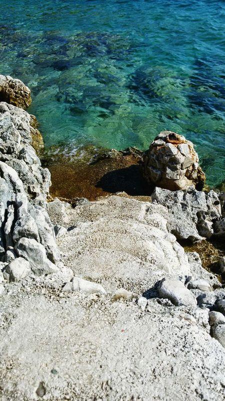 Steps to Paradise 😊 Carpe Diem Beach Club, Island Hvar, Croatia Check This Out Great Atmosphere Enjoying Life Hi! Bar Dj Set Party Drinks Hello World Taking Photos