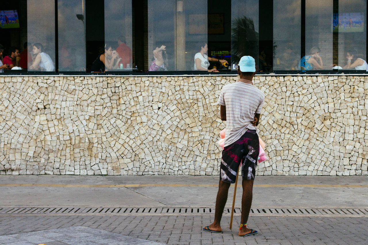 Bahia/brazil City Inequality Life As It Is Men People Real People Rear View Salvador Bahia Social Inequality Starving Street Seller Streetphotography The Street Photographer - 2017 EyeEm Awards