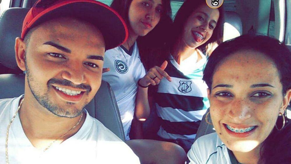 Domingo ❤ Primas <3 Lindas! Amor ♥ Churrasco😊😊✌ ComEles
