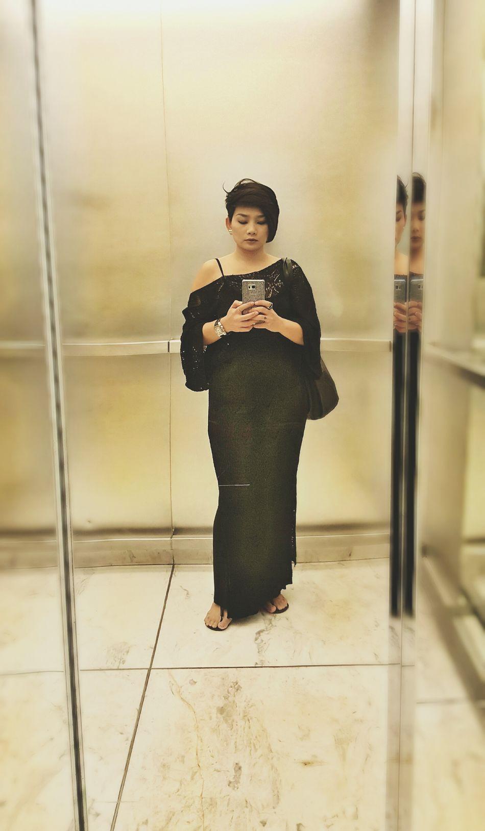 Hello Monday.. Mirrorselfie Taking Photo Outfitoftheday Good Afternoon Selfie