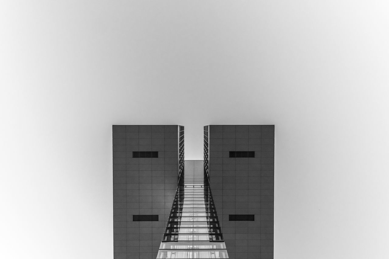 Part of a facade Architectural Detail Architecture Black Black & White Black And White Blackandwhite Blackandwhite Photography Building Clean Facade Building Facade Detail Mi Minimal Part Of S