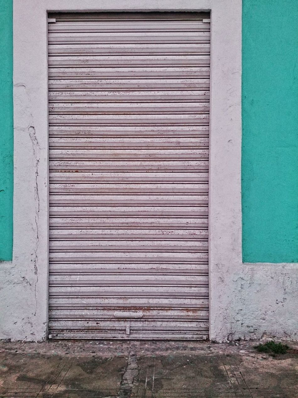 I like that green. Street Photography Merida♡ City Life Yucatan Mexico Xperia ZL Mobile Photography Urban Photography Doors And Windows Around The World Doors&windows