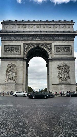 L'arc De Triomphe Paris ❤ Seing The Sights Vacation Travelphotography Traveling Travel Travel Destinations