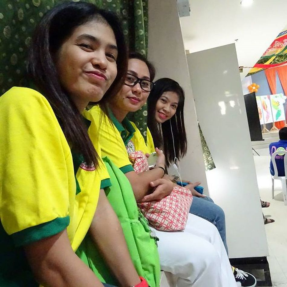 HOSPITAL WEEK CELEBRATION. This is us while waiting for the production number of nursing service. Sooo excited... 😁😄😊😀😍👌👍 Photo by Emit d' menace. Hospitalweek AgostoDies2k15 Shutterflicks Skillshare Sonyverse XPERIA ICAN Sonydscqx30 SonyGLens BeMoved DemandGreat