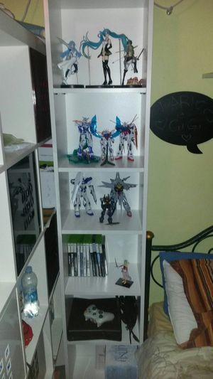 Action Figures Vocaloid Mikuhatsune Gundam Attackontitan Finalfantasy Collezione