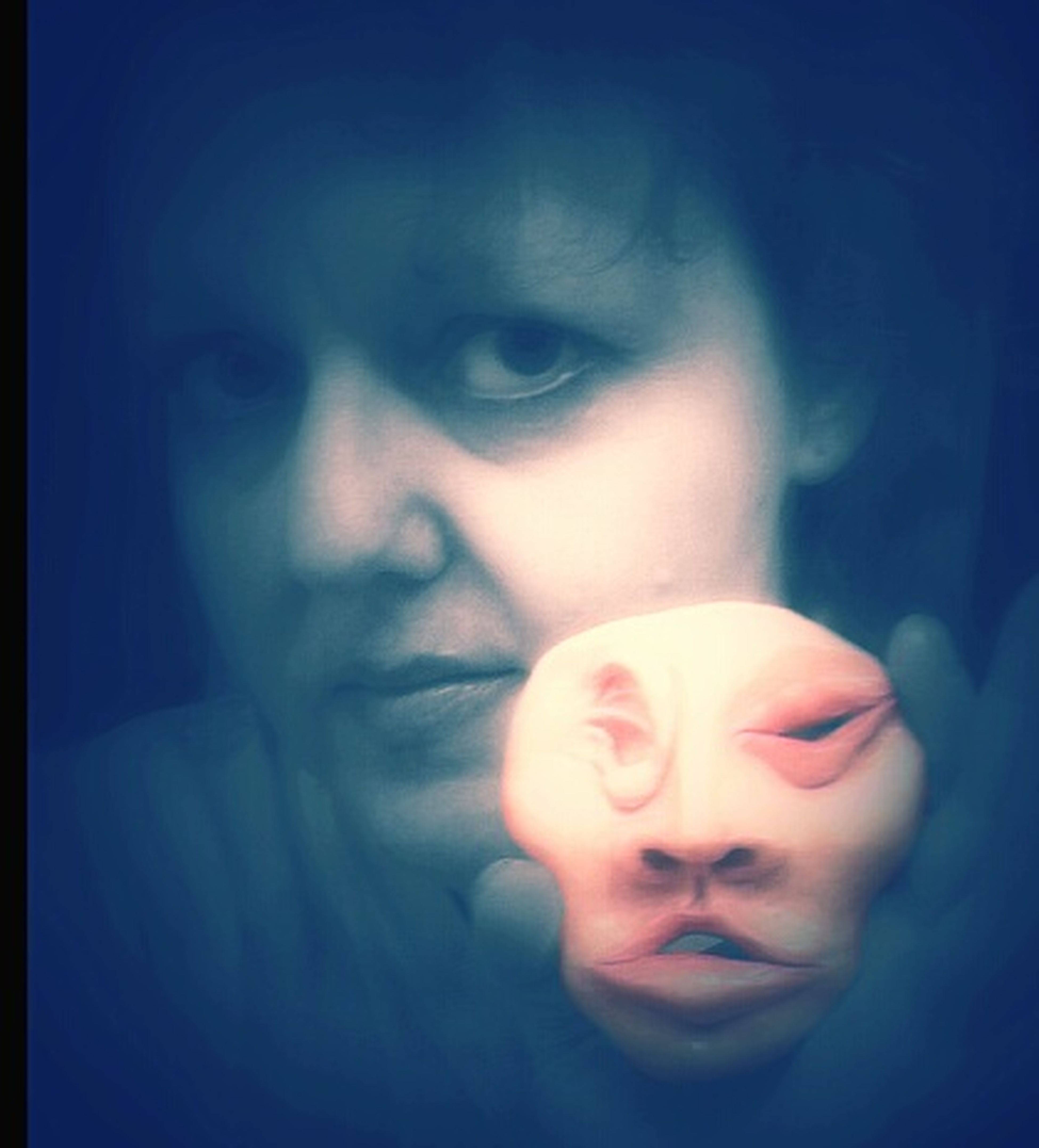 Me & my sculpture called 'See No Evil' That's Me Sculpture look closely you can see my Soul Polyform Acrylic Paint MyArt Carolart my weird art
