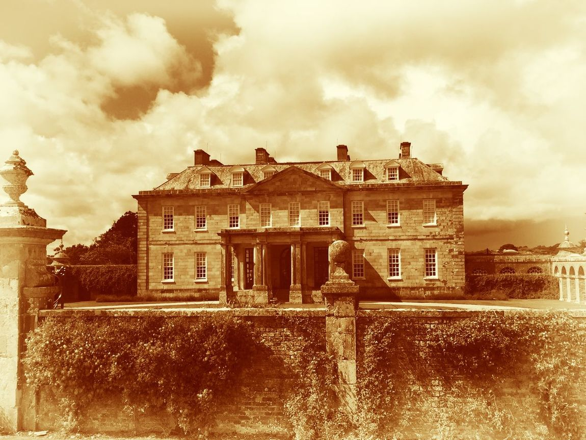 National Trust Alice In Wonderland EyeEm Best Shots Tadaa Community IPhoneography Taking Photos Old Buildings