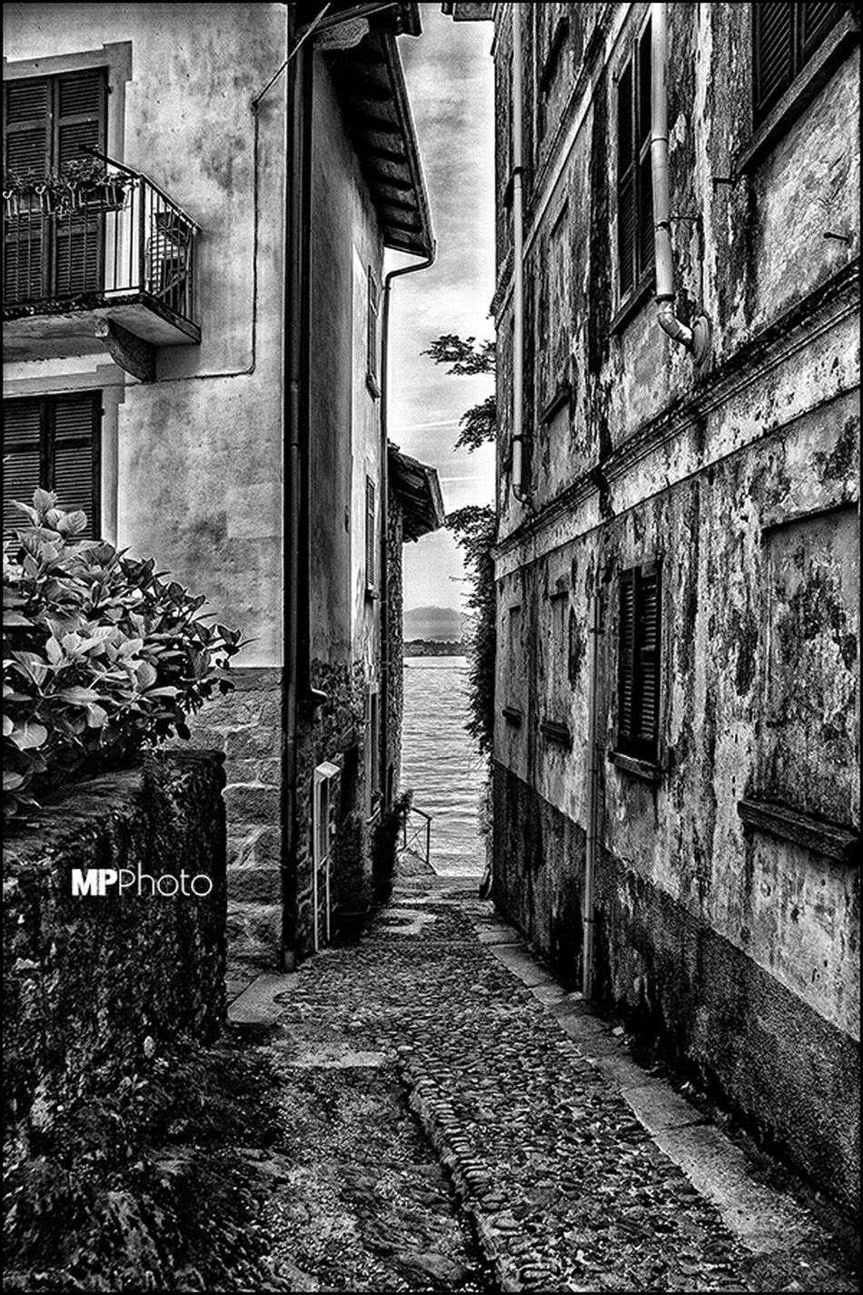 EyeEm Best Shots - Black + White Eye4black&white  Bw_collection Streetphoto_bw Black & White