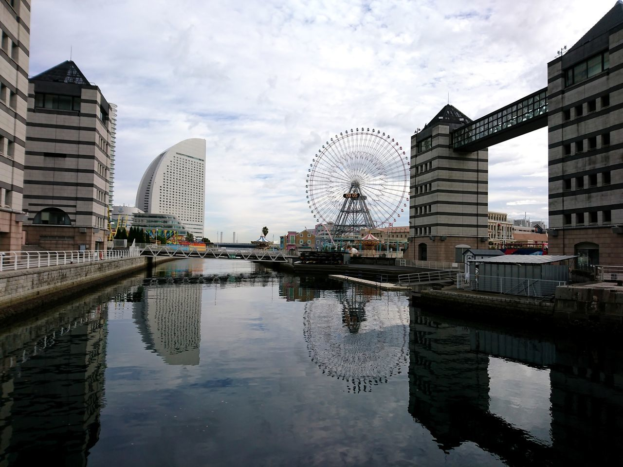Eye4photography  Architecture Cityscape Getting Inspired Taking Photos No People Light And Shadow Cityscapes Tranquility Sky And Clouds Water Reflection Landscape Built Structure Yokohama XPERIA