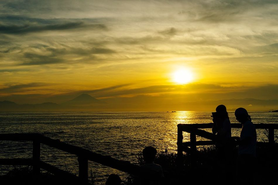 The End Of The Day Sunset View. Mt Fuji, Japan Beatyful Nature Viewpoint Sky And Sea Clouds And Sky Landscapes With WhiteWall Sea And Sky Seaside Rock Kanagawa,japan Landscape Thanksgod Enoshima Hayama My Favorite Place