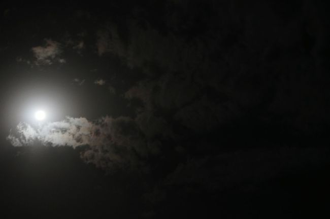 Hello World DreamChaser Full Moon Night  Taking Photos Enjoying Life Eye Em A Traveller Nightphotography Moon And Clouds Sky And Clouds Heaven On Earth EyeMe Best Shot - Landscape