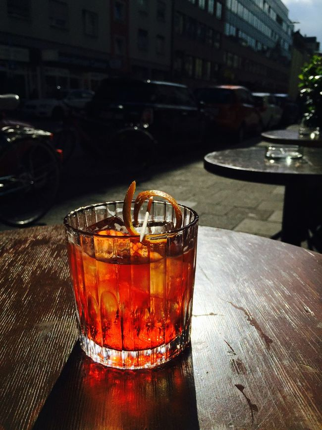 Drinks Sundowner Colors Light And Shadow Soaking Up The Sun Cityscapes Summertime Relaxing