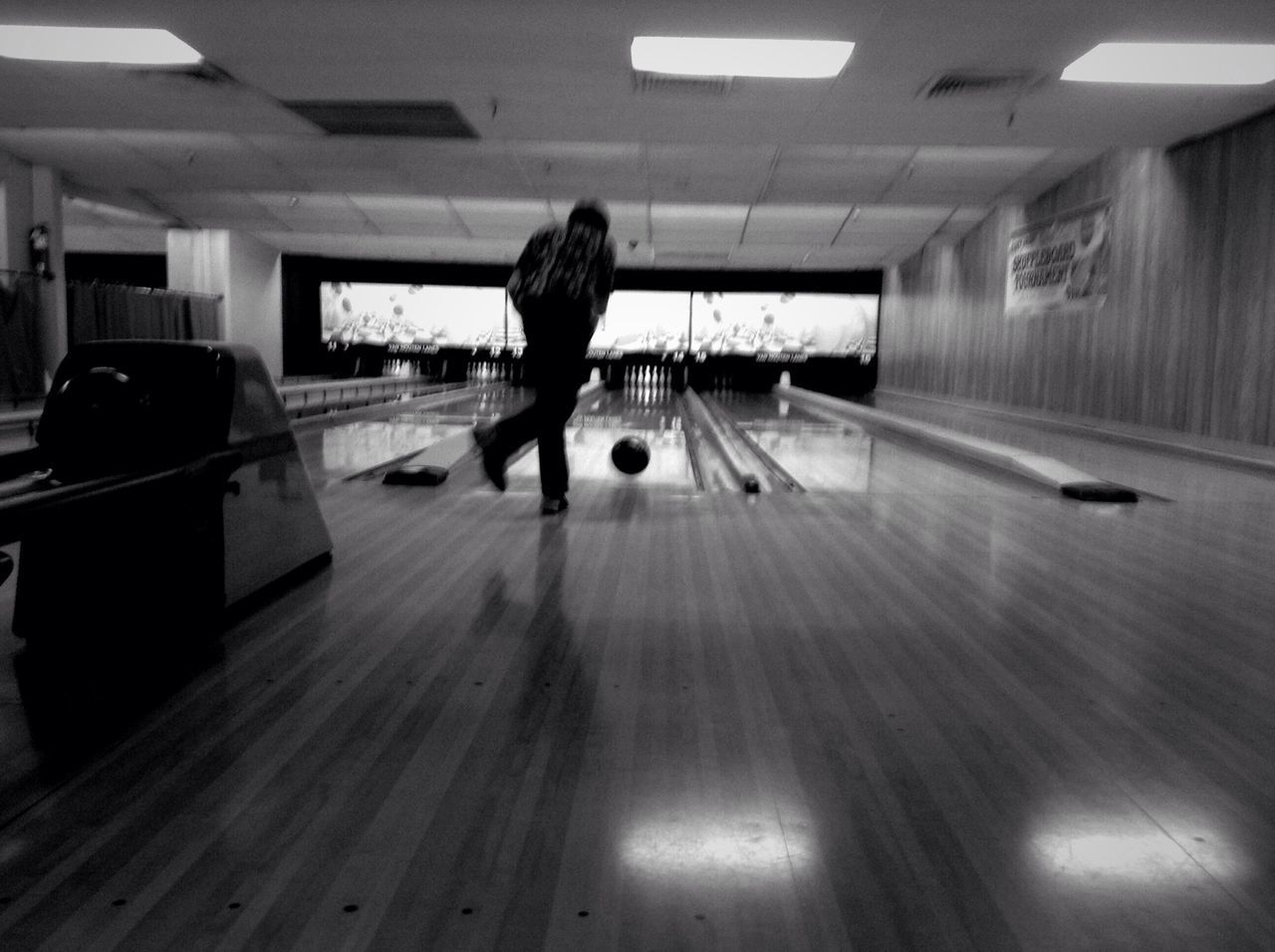 Beautiful stock photos of bowling, Blurred Motion, Bowling Alley, Bowling Ball, Full Length
