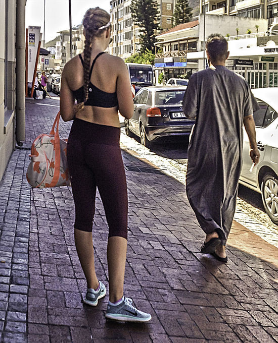 Candid Candid Photography Casual Clothing Full Length Midriff Real People Sidewalk Standing Streetphotography Yoga Pants