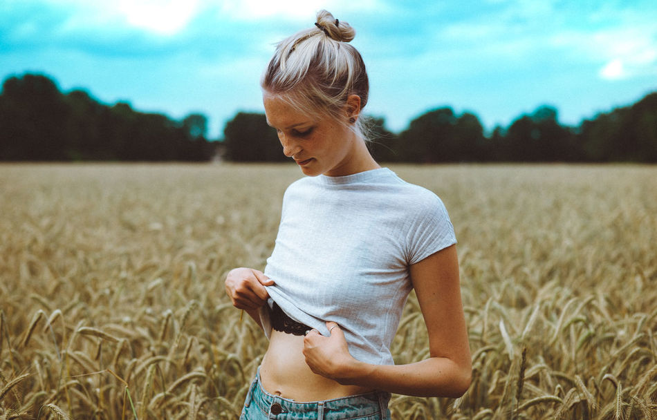 Beautiful stock photos of germany, 20-24 Years, Blond Hair, Casual Clothing, Caucasian Ethnicity