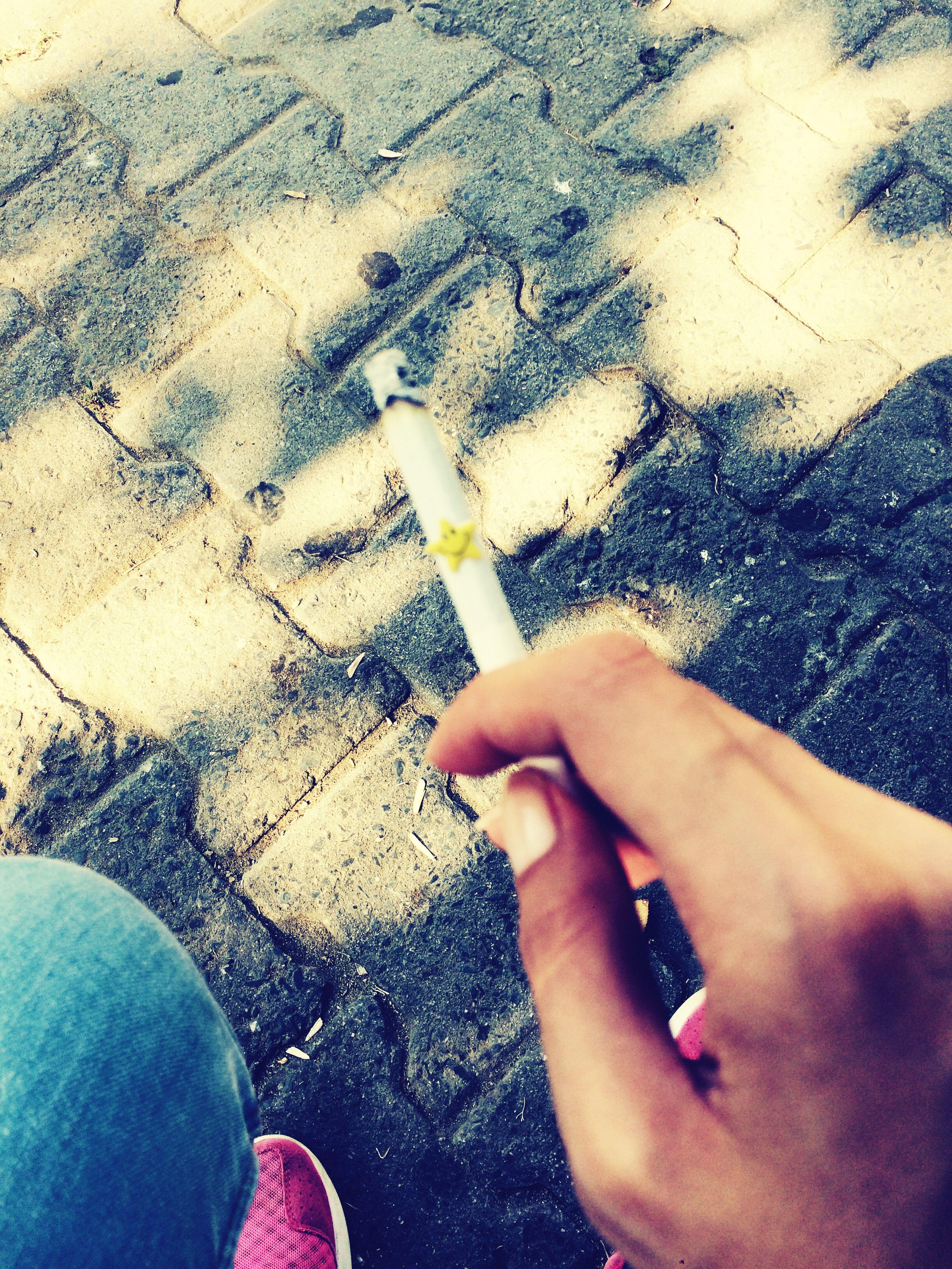 Sigarama keder olsana boşlukdan cekip alsana 🖕🏻😈