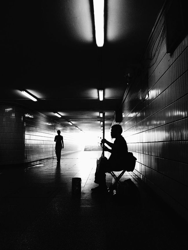Down The Earth Musicien Monochrome Subway Station China In My Eyes BEIJING北京CHINA中国BEAUTY Humaninterestphotography Portrait Photography Human Interest Street Photos😄📷🏫⛪🚒🚐🚲⚠ Beijing China Beijing In My Eyes Peinture à L'image Des Photos Street Life Street Photo Streetphotography_bw Black And White Black And White Photography Black & White Difficult Life Monochrome Popular Photos EyeEm Gallery EyeEm Best Shots EyeEm Best Shots - Black + White