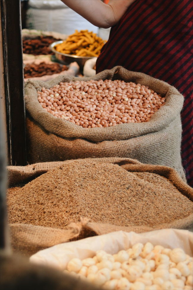Freshness Grain Grains Market Market Vendor Sack Spices Surface Level Tray