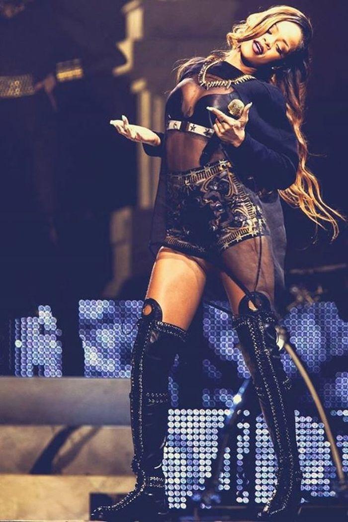 Rihanna RobynRihannaFenty Diamondsworldtour Summer2013