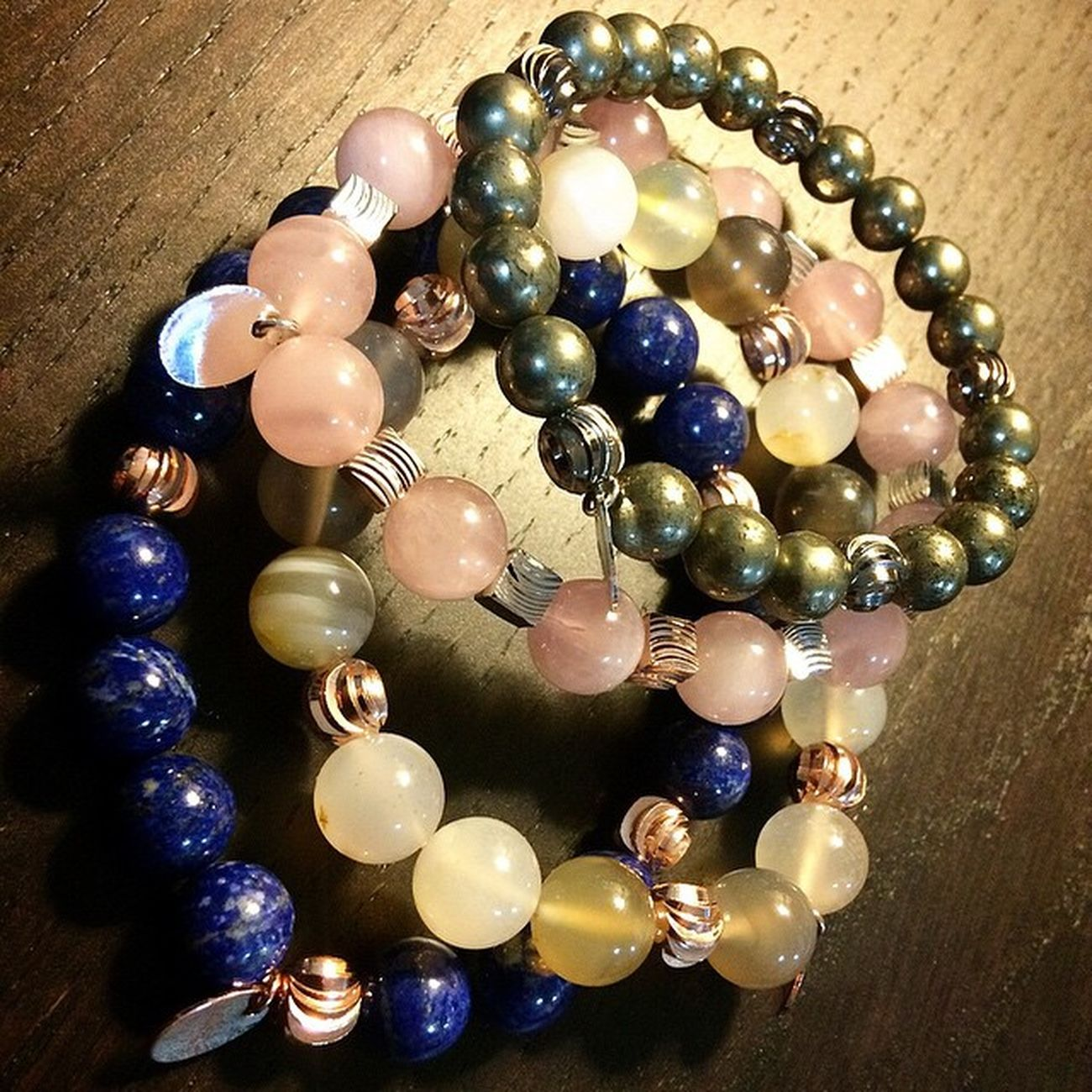 From top to below: Pyrite, Rose Quartz, Agate and Lapis Lazuli by @minacode MinaCode