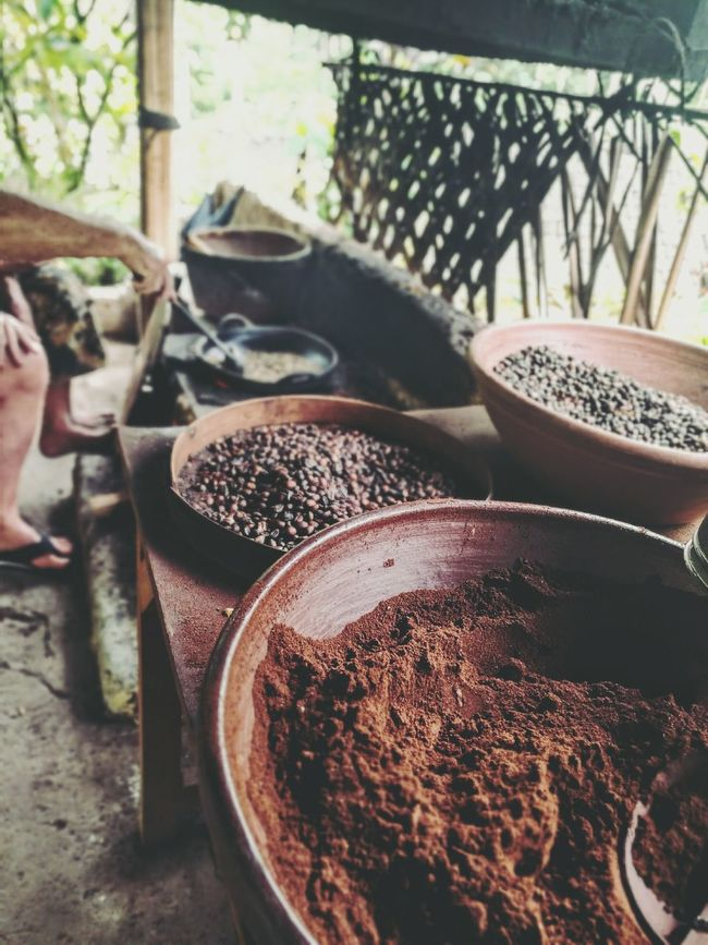 Selective Focus Day Coffee Ubud Rustic Traditional Culture Roasting Coffee Beans Selective FocusINDONESIA Outdoors Life Lensblur Leicacamera Huawei P9 Leica Abundance Day Outdoors Large Group Of Objects Retail  No People Freshness Domestic Animals Footpath