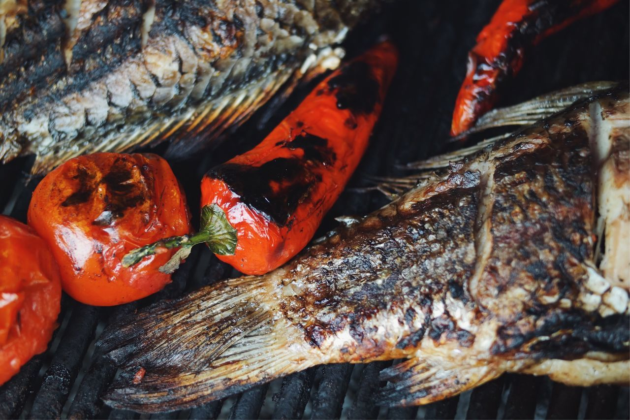 Barbecue elements... Seafood Food And Drink Food Healthy Eating Freshness Close-up Sea Life Ready-to-eat Barbecue BBQ BBQ Time Fried Food Fried Fish Tail Tomatoes Vegetable Cooking May Pepperoni VSCO Made In Romania Details Of My Life Tasty Taste