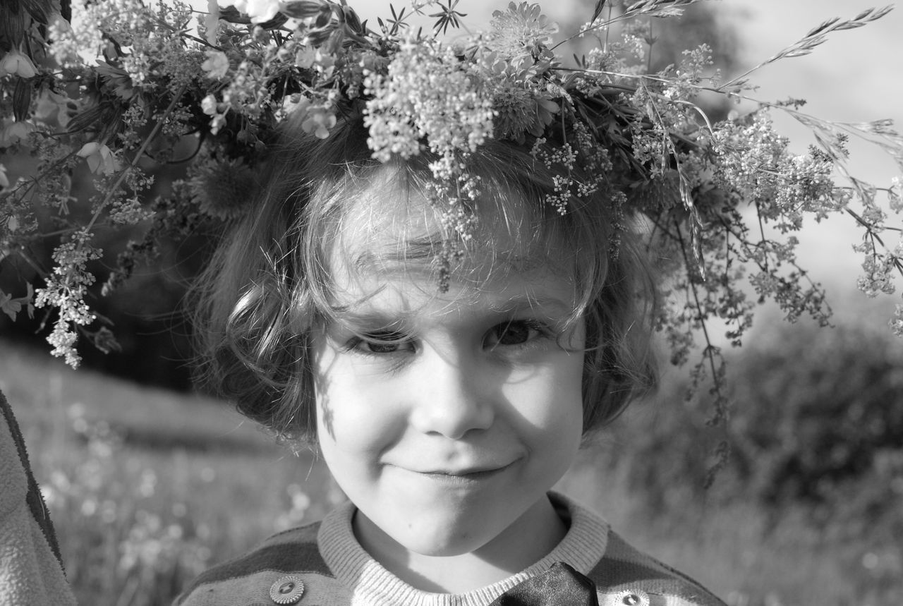 Child Childhood Children Only Close-up Flower Flower Head Headshot Innocence Nature One Person Outdoors People Uniqueness The Portraitist - 2017 EyeEm Awards Live For The Story