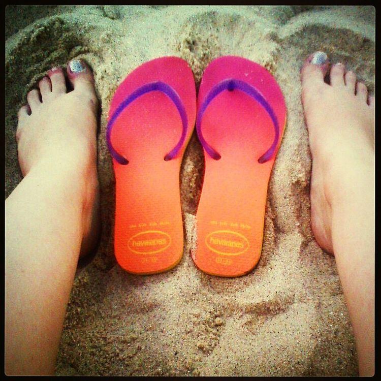 Sun Relaxing Beach Feet Peace ✌
