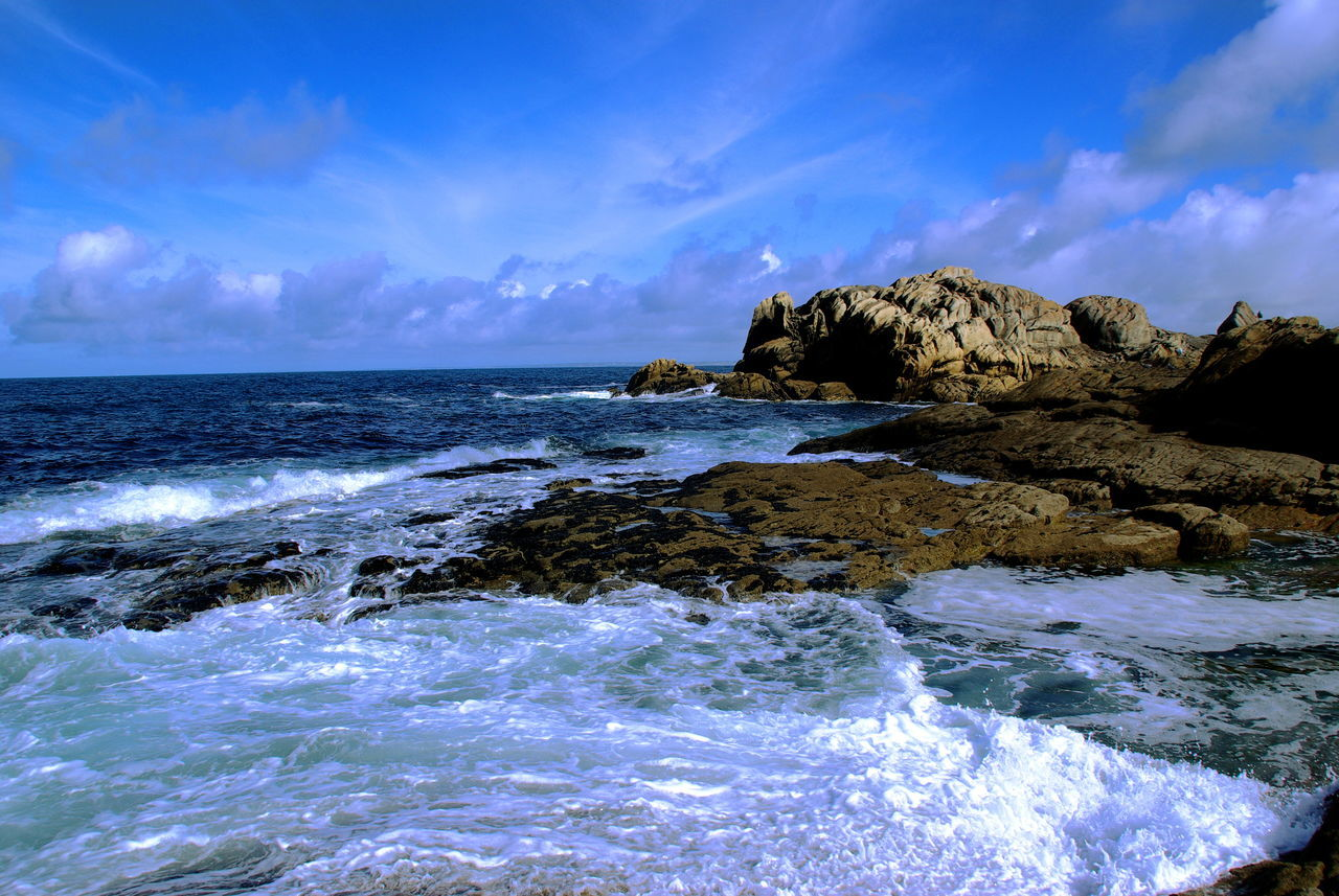 Beach Beauty In Nature Blue Bretagne Bretagnetourisme Day Horizon Over Water Motion Nature No People Outdoors Power In Nature Rock - Object Rock Formation Scenics Sea Seascape Sky Sky And Sea Tranquil Scene Tranquility Water Wave Waves Waves Crashing