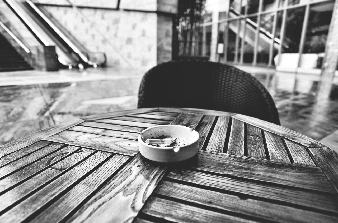 wood - material, table, outdoors, focus on foreground, day, close-up, built structure, no people, building exterior, architecture, freshness