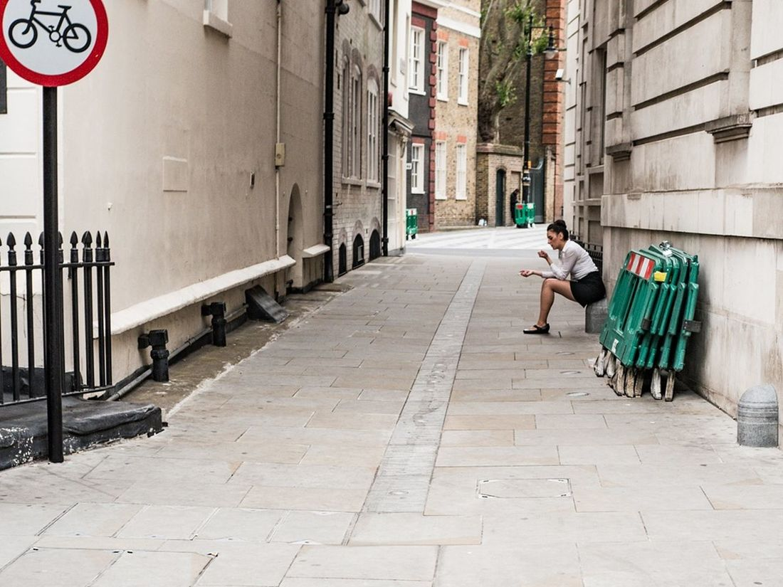 A quiet moment - Mayfair, London, July 2016 Street Color Street Photography Streetphotographers Candid Capture The Moment People London EyeEm Best Shots - The Streets