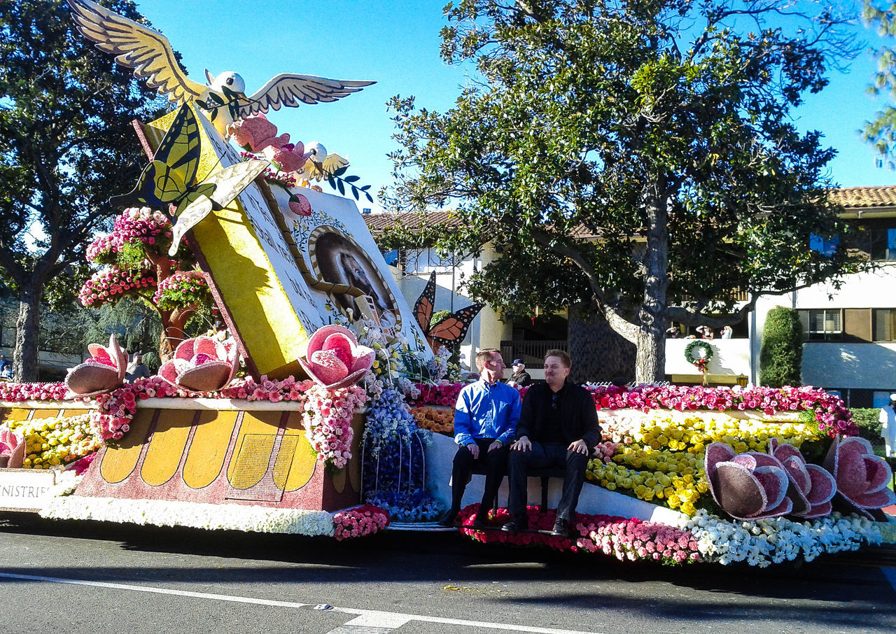 Float Flowers Flowers, Nature And Beauty New Years Day Pasadena  Rose Parade Rose Parade Float Southern California Life