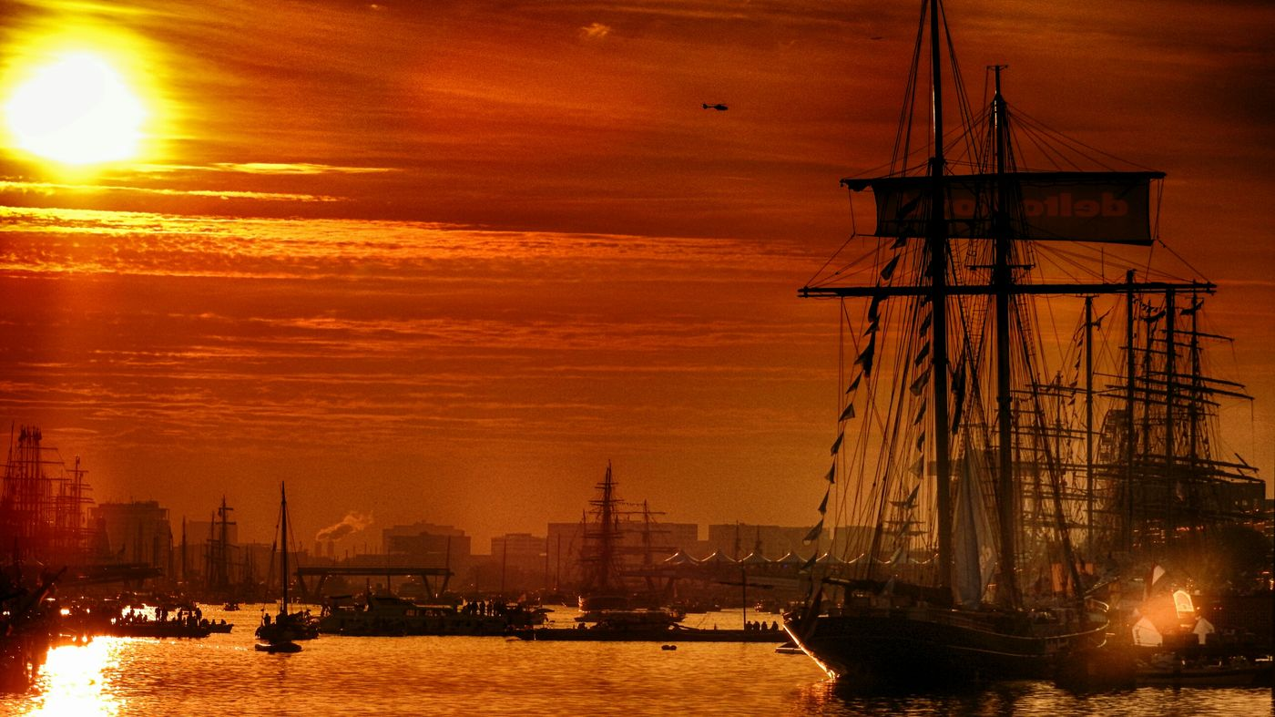 Sail Amsterdam 2015 Sail2015 Cityscapes Light And Shadow Water_collection Sharing Precious Moments Sunset Silhouettes On A Boat Creative Light And Shadow Clouds And Sky