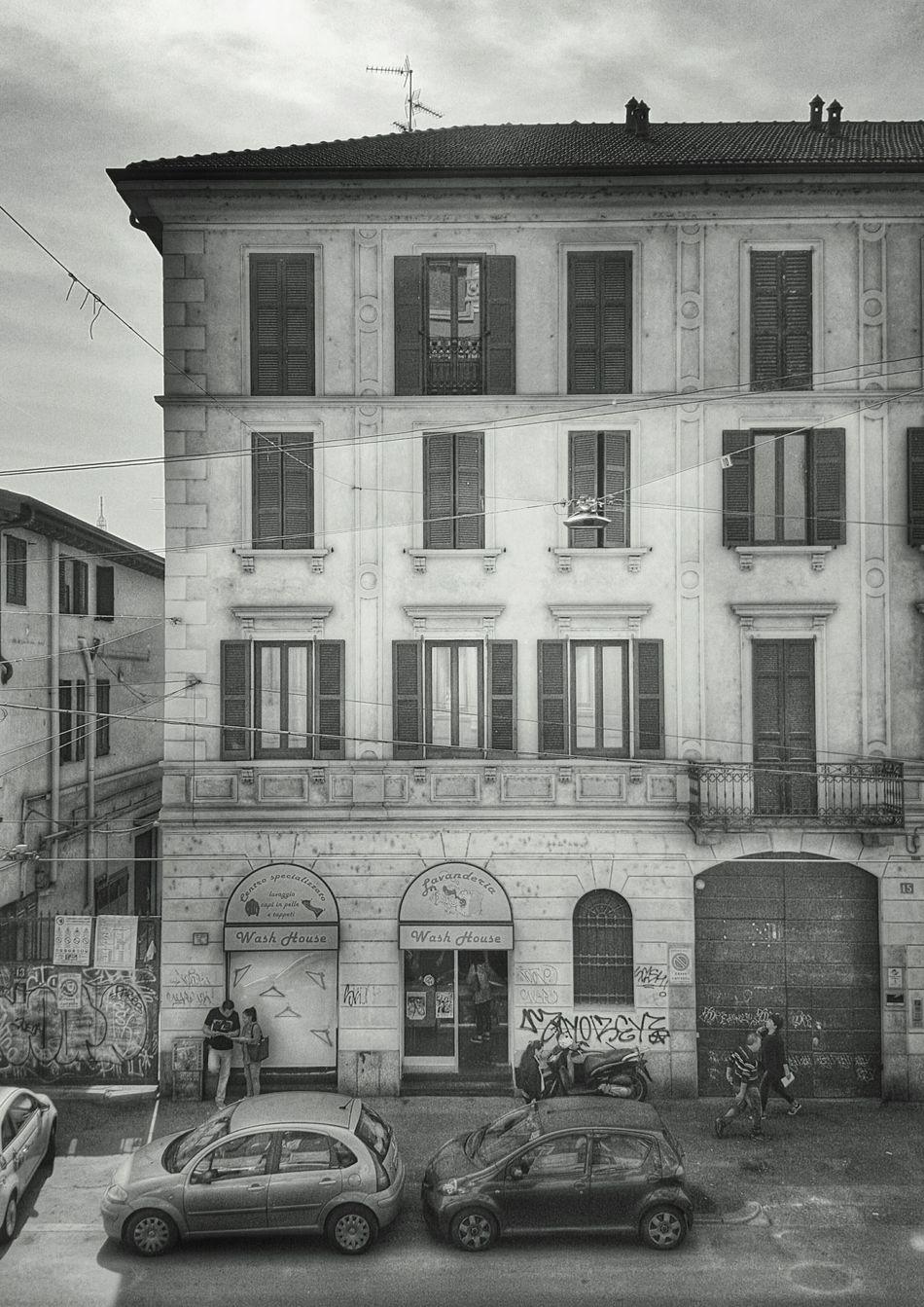 Architecture EyeEm Gallery Urban B&W Urban Geometry EyeEm Italy Milan EyeEm Best Shots Taking Photos Black & White Expo2015