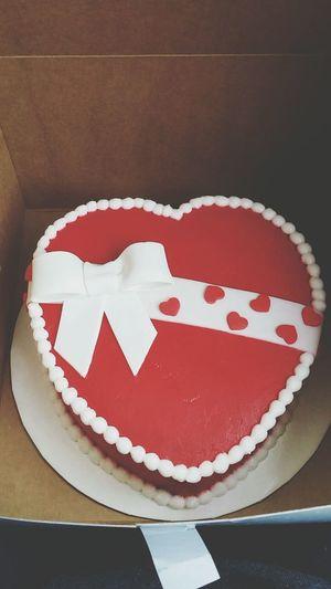 Suuuper late, but my cute Valentine cake ?? Valentines Cake Cakeideas