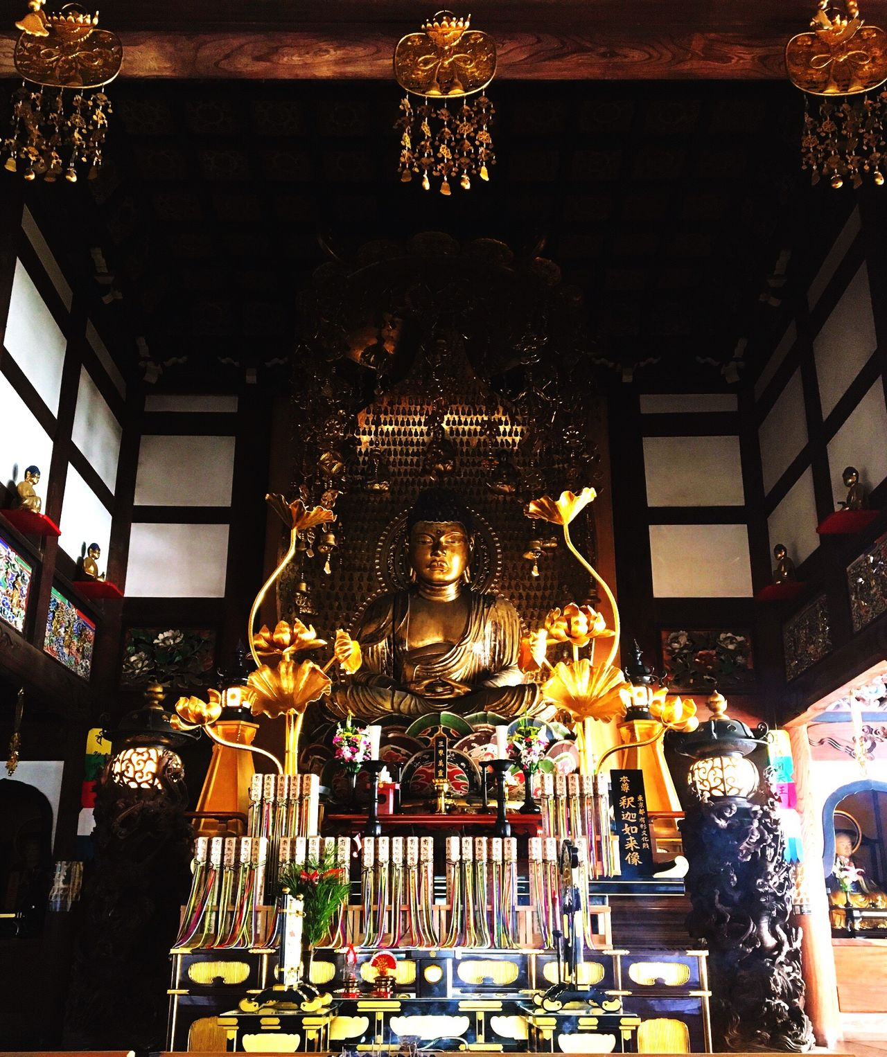 釈迦如来像。 Sakyamuni (sage Of The Sakyas) Buddha Statue Spirituality Statue Cultures Tradition Japanese Traditional Tokyo Days Tradition Japanese Culture Architecture Tokyo Hello World Indoors  釈迦如来像 Religion Statue Indoors  No People Japanese Temple Temple