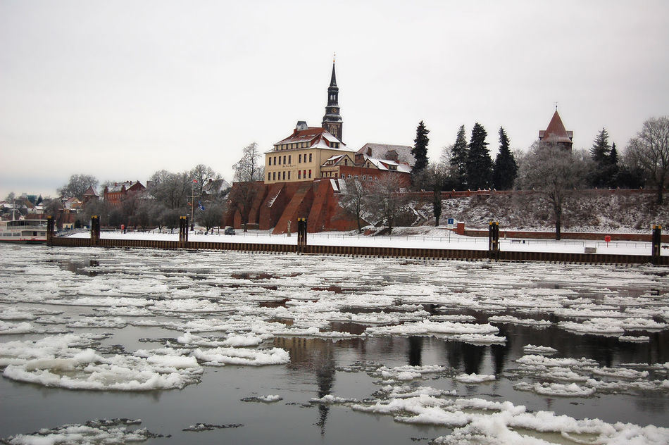 Cityscape of Tangermunde (Saxony-Anhalt, Germany) with ice on Elbe river. winter time. Altmark Architecture Built Structure Castle Elbe Elbe River Floes Ice Outdoors Promenade Sachsen-Anhalt Saxonyanhalt Season  Sky Tangermünde Tourism Tranquil Scene Tranquility Travel Destinations Water Winter