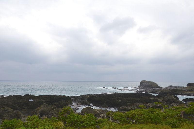 Beauty In Nature Coastline Horizon Over Water Rock - Object Rock Formation Sea Shore Sky Water Hualien, Taiwan