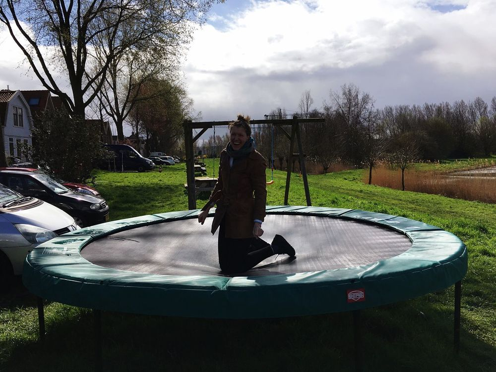 Trampoline Smile On Your Knees