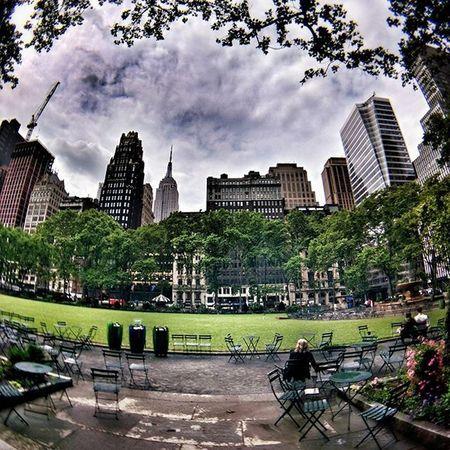 Waiting Newyork NYC Newyorkcity Manhattan City Life Day Colorful Travel Travelgram Trip Garden Green Sky Clouds Cloudporn Rain RainyDay Photo Photography Skyline Fisheye Iloveny Ilovenyc Newyorkphoto instacool instanewyork mynyc bigapple thebigapple