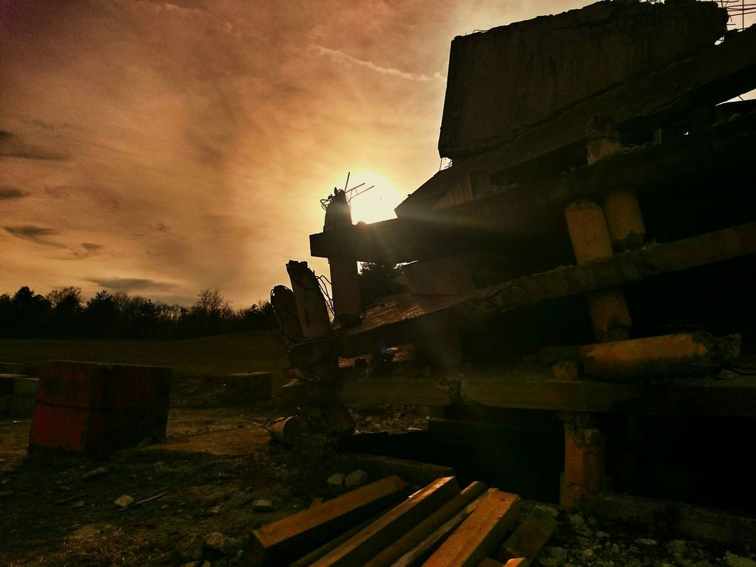 Tadaa Community Streamzoofamily Urban Geometry Sunset Sun Clouds Skylovers Sky Nature Beautifulinnature Naturalbeauty Photography Landscape [ [ [a:1 Getting Inspired Abandoned Buildings Urban Landscape Exploring Precision Negative Space