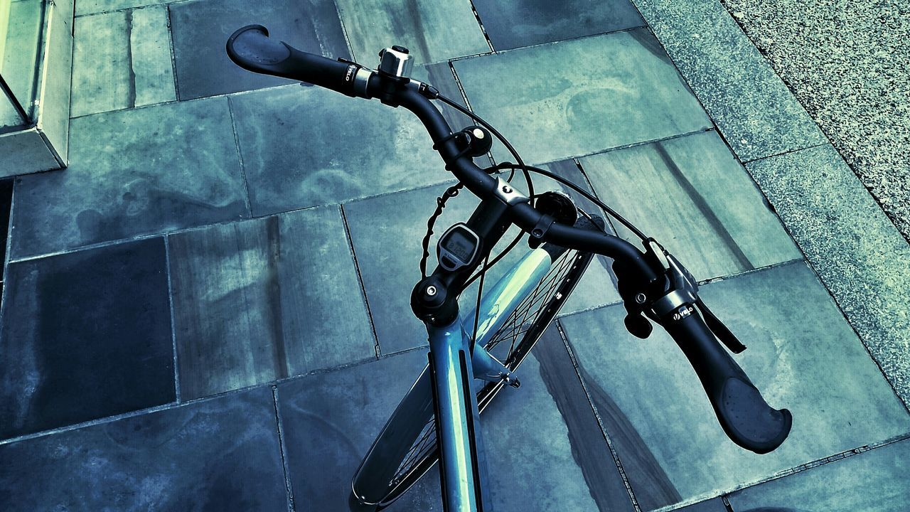 My common view! (8:12) Colour Of Life Leading Lines Bike Handlebars Cycling Around Bikeswithoutlimits Extreme Edit Bike Life Bikes Bikesaroundtheworld Striving For Excellence Exceptional Photographs