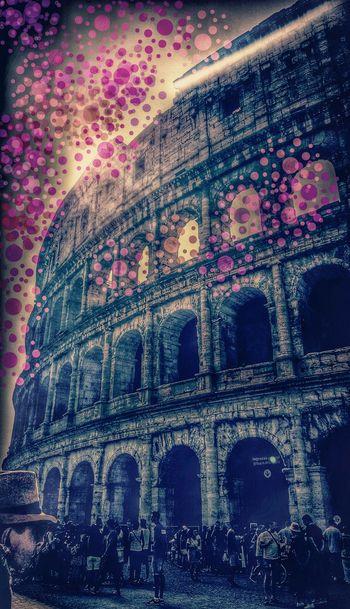Cartoonlandia Coluseum Anfiteatroflavio Anfiteatroromano Colosseo Roma Eyemphotography Eyemgallery Followme Eyemedit EyeEmBestPics Taking Photos Hanging Out Hello World Enjoying Life From My Point Of View