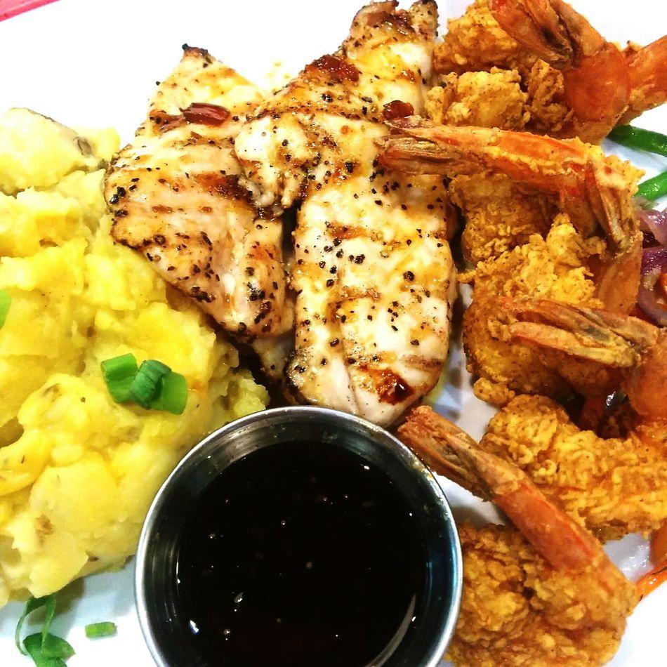 Nexus5photography Lunch Foodphotography Foodporn Mashedpotatoes Shrimps Chickenfillet Foodpics Foodphoto Foodstagram